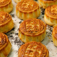 Travelers to Taiwan warned against importing meat mooncakes