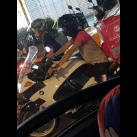 Taiwan Foodpanda deliveryman seen riding NT$400,000 BMW motorcycle