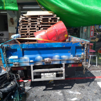 Blue work truck smashes into breakfast shop in central Taiwan
