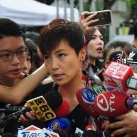 何韻詩力挺香港 台灣台北遊行遭潑漆 何:「不因恐嚇而害怕」