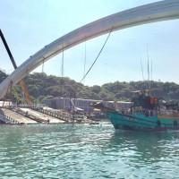 Taiwan legislator slams inspections of bridge hit by fatal collapse