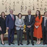 President Tsai meets former Canadian Prime Minister Stephen Harper in Taipei