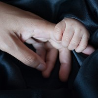 黑戶寶寶驗DNA拿護照    移民署助失聯移工順利返鄉