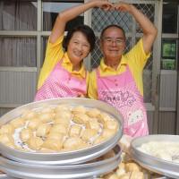 台南「饅頭一家人」 環島5年做手工饅頭送愛心