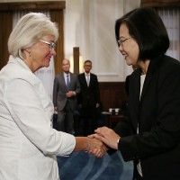 Taiwan's president meets with Danish parliament representative