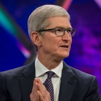 Apple CEO becomes chairman of China university board