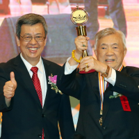 Cardiologist donates prize money aiming to help Taiwan win Nobel Prize in medicine