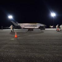 測試太空武器?!美國神秘飛機X-37B 升空780天返航破紀錄