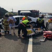 Baby in critical condition after 5-car collision on freeway in central Taiwan