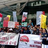 數百移工新南向國家辦事處前抗議 盼廢除私人仲介制度