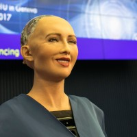 'Beautiful' robot to speak English with students in S. Taiwan