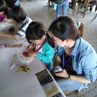 新住民家庭體驗農村生活 親子同樂製作古玩