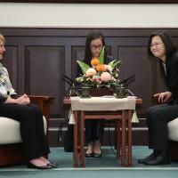 接見美國智庫訪團 蔡英文:台灣將和世界共同捍衛民主