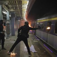 「三罷」行動持續 香港大癱瘓 14日全港停課