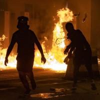 理工大學附近, 14日晚有示威者丟擲汽油彈 (美聯社)