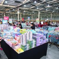 大野狼國際書展首登中台灣 百萬英文書週末不打烊