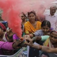 印度警「私法制裁」強暴嫌疑犯    千餘民眾上街慶祝