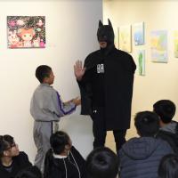 蝙蝠俠力挺!社會企業偏鄉藝術教育 台隆集團、宛儒畫廊聯手助童圓夢