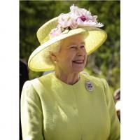 履歷表準備好了嗎? 英國女王徵社群小編年薪高達200萬