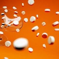 愛滋病可用藥控制 醫:任意停藥易產生抗藥性 且增加諸多疾病風險
