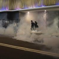 Hong Kong's Christmas protests see return of violence