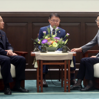 Tsai touts Taiwan-Japan ties with Japan's former Vice-Minister of Defense