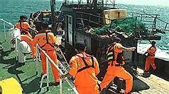 Chinese caught dredging in Taiwan's Matsu deported by Coast Guard