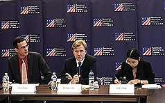 US should help Taiwan defend itself better
