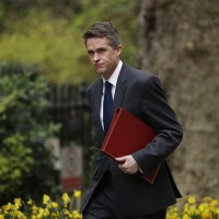 涉華為投資案洩密 英國國防大臣遭撤換