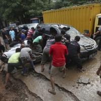 跨年夜不平靜 印尼雅加達嚴重洪災釀43死