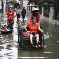 印尼雅加達暴雨釀災 40萬人流離失所