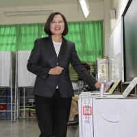 【台灣2020大選】蔡總統永和投票、費時20分鐘 賴清德台南投票:天氣好心情就好