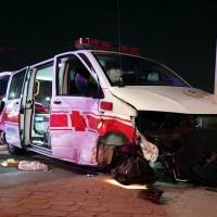 超衰!台灣嘉義救護車遭自小客衝撞 消防局追加4輛救護車運送7傷患