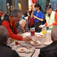 Taiwan Power Company serves up a feast for solitary elderly