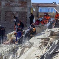 土耳其強震已29死 兩歲半女童受困獲救