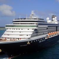 疑載有「武漢肺炎」患者 威士特丹號郵輪遭日本拒絕入港