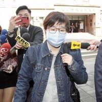 【台灣外交官蘇啟誠之死】涉侮辱公署被起訴 「卡神」楊蕙如首度出庭否認有罪、也無所謂「業主」