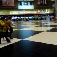 台北車站大廳禁席地群聚 即日起至4月30日止