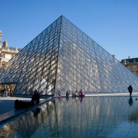 Virus fears close down France's famed Louvre Museum
