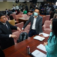 Taiwan legislative committee suspended temporarily after employee from environmental agency infected with coronavirus