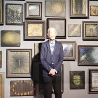 「老文青」江賢二旅居歐洲美國創作不懈 台北市立美術館打開心門