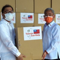 Taiwan delivers 300,000 medical masks to Philippines