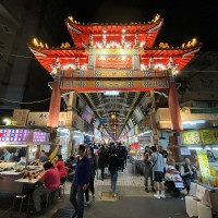 Markets in northern Taiwan suspend dine-in services due to COVID