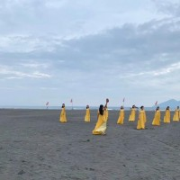 E. Taiwan dance troupe dancing coronavirus blues away on beach