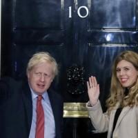 【武漢肺炎】英國首相大病初癒受訪 強生:靠不斷輸氧才活下來