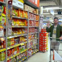 穆斯林網紅圖佳助陣 貿協攜手量販店推廣清真食品認證