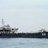 Netizens try to save Taiwan warship that fought off PLA invaders