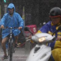 大豪雨特報全台灣警戒 22日停班停課地區揭曉