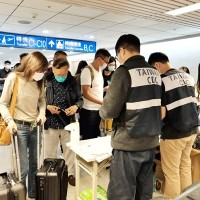 Taiwanese infected overseas must report to CECC before return