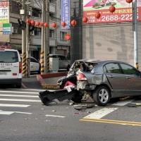 台灣台中豐原客運司機連撞8車疑「肇事逃逸」?! 真相是「急性腦中風」發作